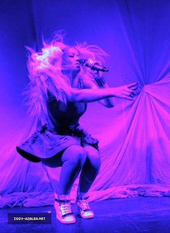 File:Iggy Azalea at the Radioactive Tour.jpeg