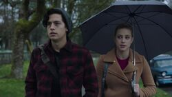 RD-Caps-2x20-Shadow-of-a-Doubt-09-Jughead-Betty