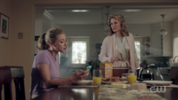RD-Caps-2x01-A-Kiss-Before-Dying-23-Betty-Alice