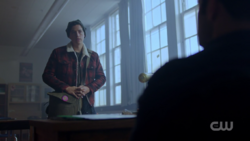 RD-Caps-2x03-The-Watcher-in-the-Woods-53-Jughead
