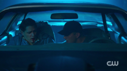 RD-Caps-2x03-The-Watcher-in-the-Woods-133-Kevin-stabbed-bleeding