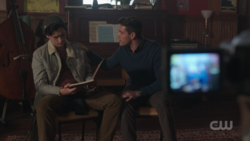 RD-Caps-2x18-A-Night-To-Remember-01-Jughead-Kevin