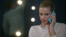 Season 1 Episode 11 To Riverdale And Back Again Betty talking to Polly