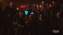 RD-Caps-2x12-The-Wicked-and-The-Divine-55-Penny-Toni-Sweet-Pea-Tall-Boy-FP-Southside-Serpents