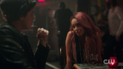 RD-Caps-2x08-House-of-the-Devil-96-Jughead-Toni