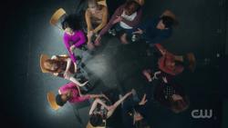 RD-Caps-2x18-A-Night-To-Remember-12-Archie-Betty-Veronica-Cheryl-Josie-Midge-Moose-Ethel-Toni-Kevin