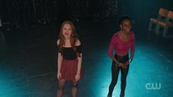 RD-Caps-2x18-A-Night-To-Remember-44-Cheryl-Josie