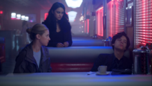 Season 1 Episode 12 Anatomy of a Murder Betty and Veronica apologize to Jughead