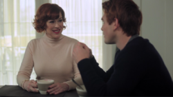 Season 1 Episode 11 To Riverdale And Back Again Archie and Mary (2)