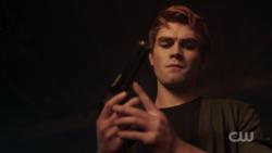 RD-Caps-2x03-The-Watcher-in-the-Woods-40-Archie-gun