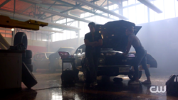 RD-Caps-2x06-Death-Proof-91-Jughead-Betty