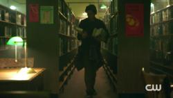 RD-Caps-2x04-The-Town-That-Dreaded-Sundown-06-Jughead
