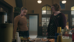 RD-Caps-2x18-A-Night-To-Remember-37-Betty-Ethel