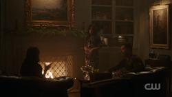 RD-Caps-2x09-Silent-Night-Deadly-Night-114-Veronica-Hermione-Hiram