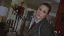 RD-Caps-2x14-The-Hills-Have-Eyes-03-Betty