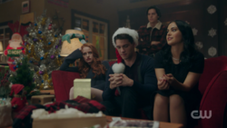 RD-Caps-2x09-Silent-Night-Deadly-Night-30-Cheryl-Kevin-Veronica-Jughead
