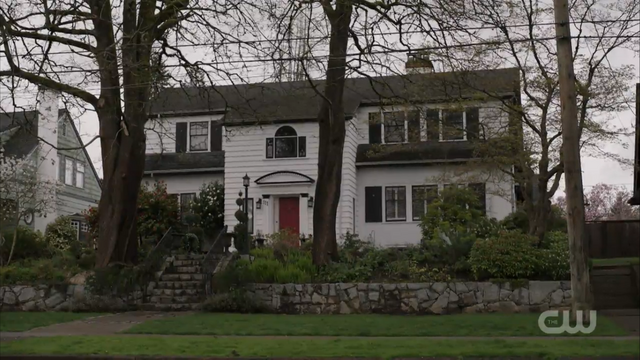 File:Season 1 Episode 1 The River's Edge Coopers House.png