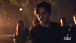 RD-Caps-2x09-Silent-Night-Deadly-Night-103-Jughead
