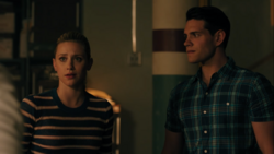 RD-Caps-4x02-Fast-Times-at-Riverdale-High-118-Betty-Kevin