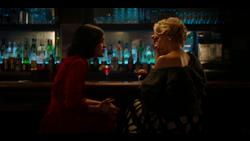 KK-Caps-1x10-Gloria-95-Katy-Gloria