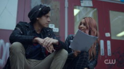 RD-Caps-2x10-The-Blackboard-Jungle-24-Jughead-Toni