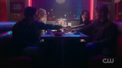 RD-Caps-2x14-The-Hills-Have-Eyes-132-Jughead-Betty-Veronica-Archie