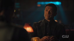 RD-Caps-3x19-Fear-The-Reaper-15-Hiram