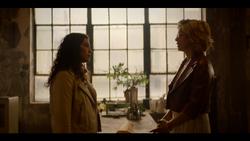 KK-Caps-1x10-Gloria-104-Hannah-Pepper