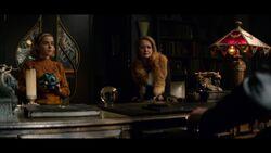 CAOS-Caps-1x04-Witch-Academy-42-Sabrina-Zelda