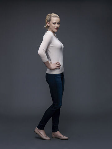 File:Betty Cooper Promotional Photo.jpg
