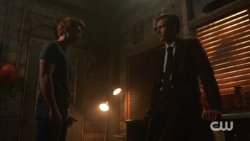 RD-Caps-2x10-The-Blackboard-Jungle-135-Archie-Special-Agent-Adams