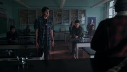RD-Caps-2x17-The-Noose-Tightens-37-Sweet-Pea-Fangs-Fogarty-Southside-Serpents