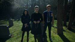 RD-Caps-2x22-Brave-New-World-01-Veronica-Betty-Archie