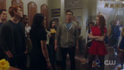 RD-Caps-2x10-The-Blackboard-Jungle-48-Veronica-Archie-Kevin-Josie-Reggie-Cheryl