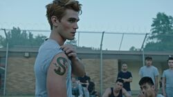 RD-Caps-3x02-Fortune-and-Men's-Eyes-25-Archie-Serpent-tattoo