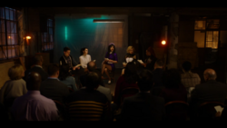 KK-Caps-1x10-Gloria-72-Kevin-Katy-Jorge-Pepper-Josie
