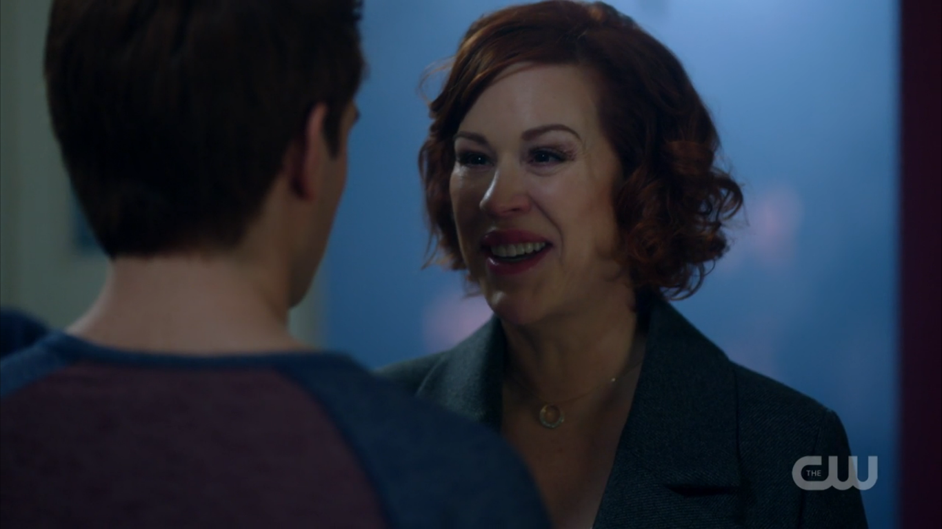 Season_1_Episode_12_Anatomy_of_a_Murder_Mary_smiling.png