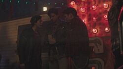 RD-Caps-3x10-The-Stranger-113-Jughead-Sweet-Pea-Fangs-Fogarty