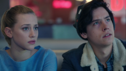 Season 1 Episode 8 The Outsiders Jughead Betty (2)