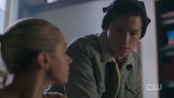 RD-Caps-2x18-A-Night-To-Remember-36-Jughead