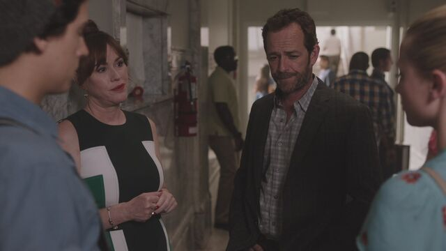 File:RD-Caps-3x01-Labor-Day-22-Mary-Fred.jpg