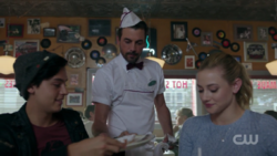 RD-Caps-2x08-House-of-the-Devil-63-Jughead-FP-Betty