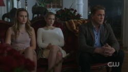 RD-Caps-2x15-There-Will-Be-Blood-45-Polly-Betty-Hal