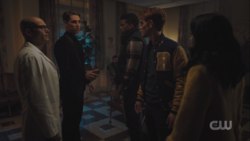 RD-Caps-3x19-Fear-The-Reaper-05-Dr.-Patel-Elio-Mad-Dog-Archie-Veronica
