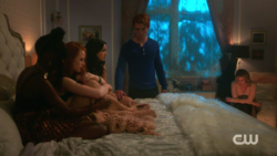 RD-Caps-2x05-When-a-Stranger-Calls-147-Josie-Cheryl-Veronica-Archie-Betty