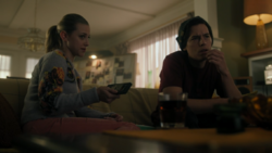 RD-Caps-4x12-Men-of-Honor-122-Betty-Jughead