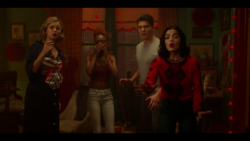 KK-Caps-1x03-What-Becomes-of-the-Broken-Hearted-30-Pepper-Josie-KO-Katy