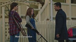 RD-Caps-3x07-The-Man-in-Black-35-Laurie-Gracie-Hiram