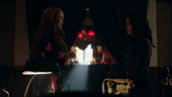 RD-Caps-4x18-Lynchian-103-Cheryl-Veronica