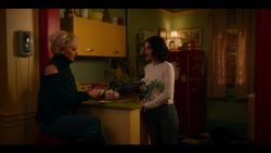 KK-Caps-1x10-Gloria-51-Gloria-Katy